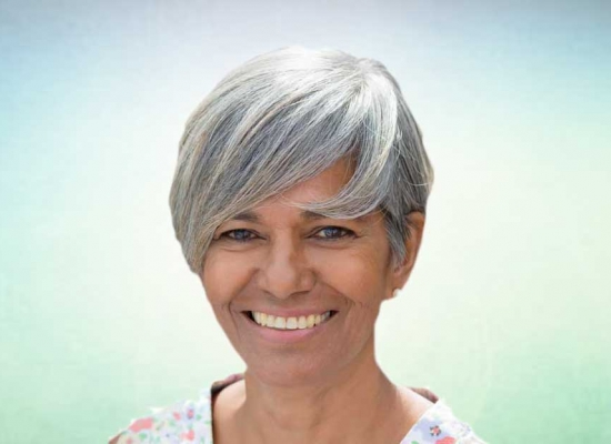 female chiropractor Dr. Linda